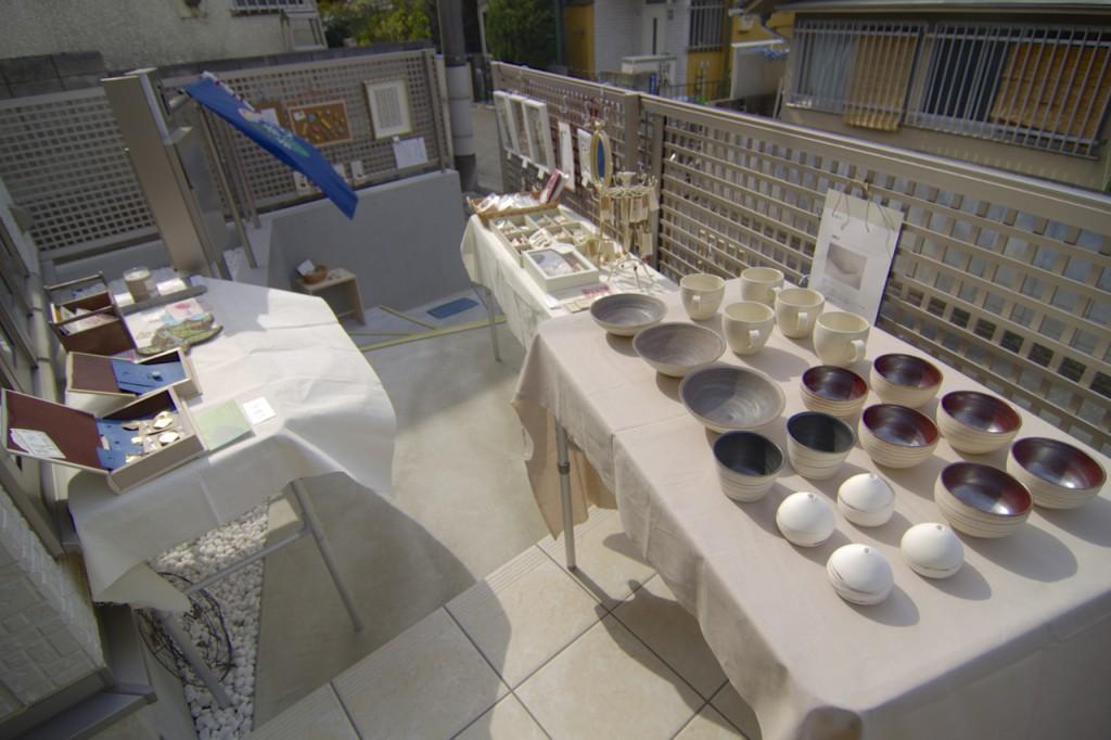 A.S.Pの展示販売会場の様子。作家の湯浅さんは、ポストカードやクッキーを制作しました